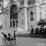 Sài Gòn xưa – Bến xe xích lô bên hông nhà hát lớn